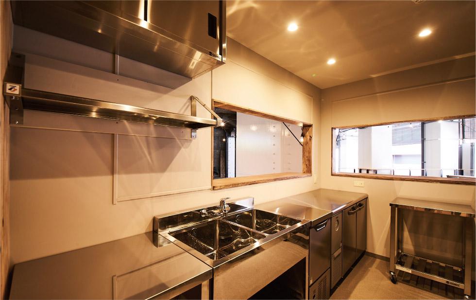 キッチンA+ウッドデッキスペース